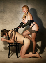 Mistress Tanya of London whipping slave