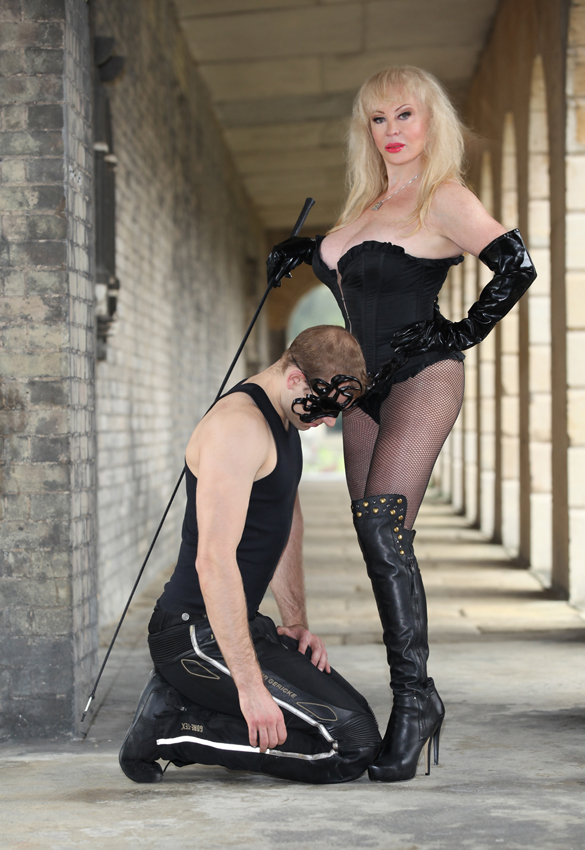 Mistress Tanya of London Contact Page