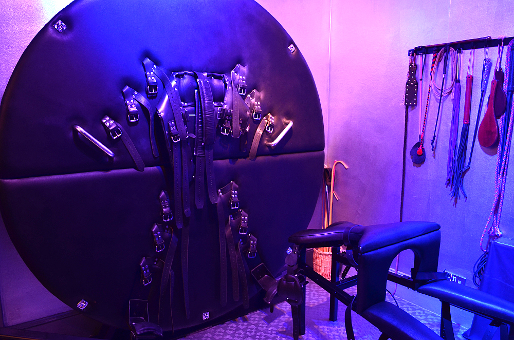 Mistress Tanya of London Dungeon BDSM Rotating Wheei