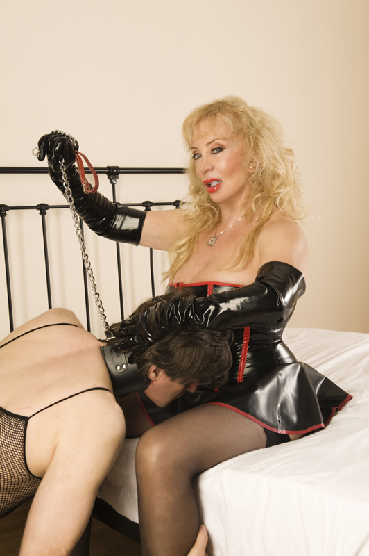 Mistress Tanya of London chained slave
